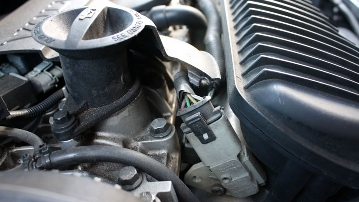 5 Symptoms of a Bad Fuel Pressure Sensor (& Replacement ...