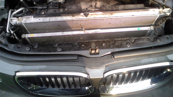 5 Symptoms of a Bad Car A/C Condenser (and Replacement Cost