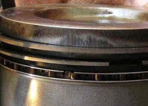 Bad Valve Seals and Piston Rings Symptoms & Replacement Cost