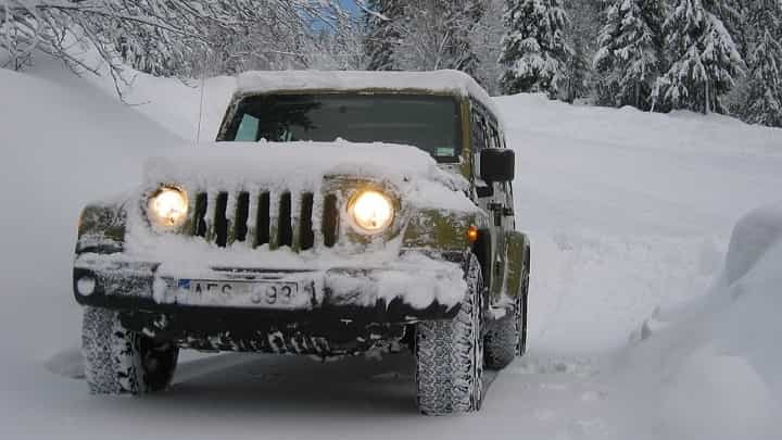 5 Tips for Starting Your Car in Cold Weather