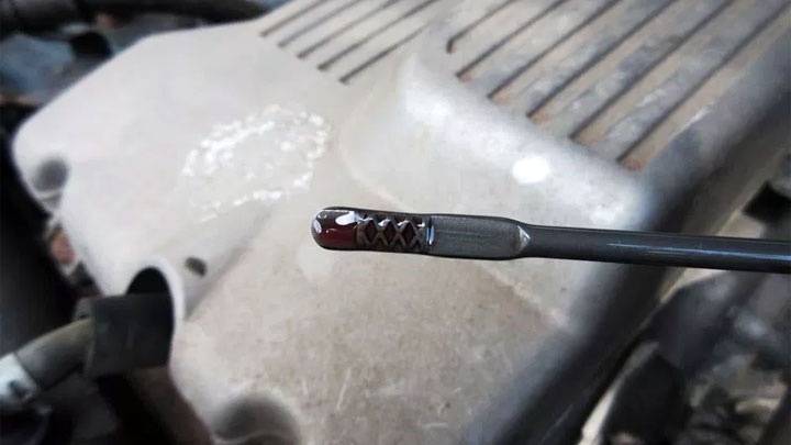 6 Symptoms of Low Transmission Fluid (Don't Ignore the Signs)