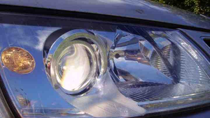 pros and cons of using xenon lighting in your vehicle car