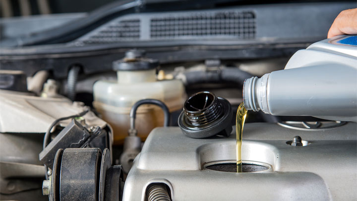 5 Best Motor Oils for High Mileage Engines in 2019 (to Stop Oil Leaks!)