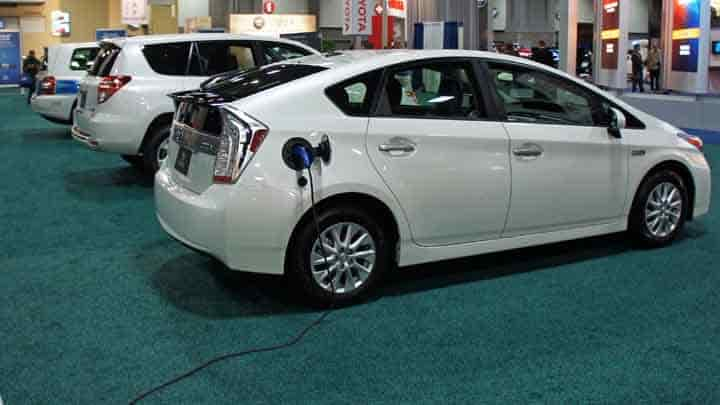 Pros and Cons of Hybrid Cars: Read This Before You Buy