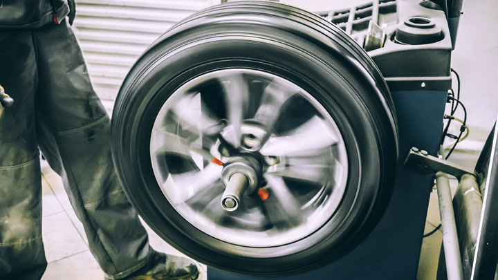 5 Symptoms of Unbalanced Tires on Your Car