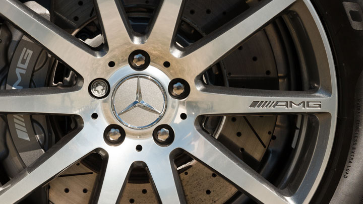 difference between AMG and regular Mercedes Benz