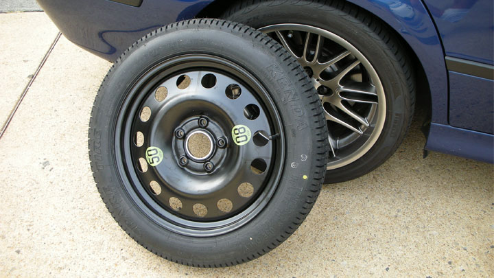 donut (space-saver) tire