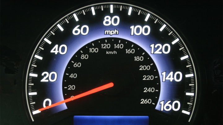how electronic speedometer works