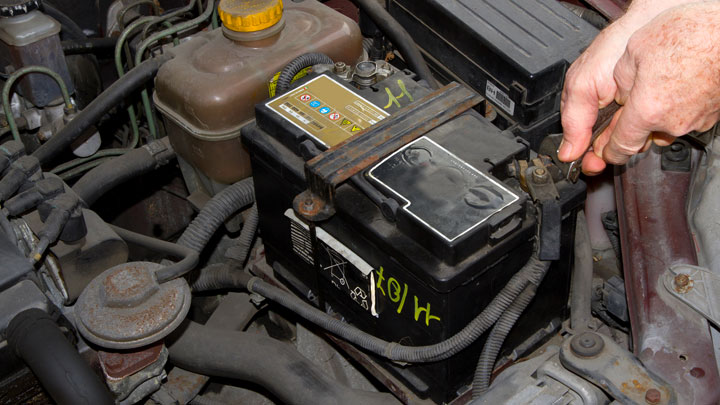 how long does a car battery last