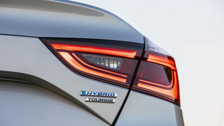 how long does a hybrid car battery last