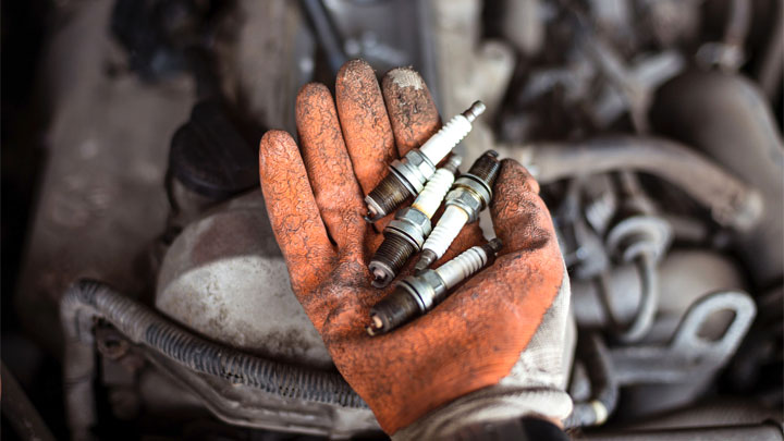 how to inspect spark plugs