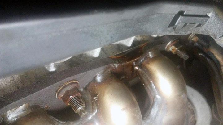 oil leaking on header