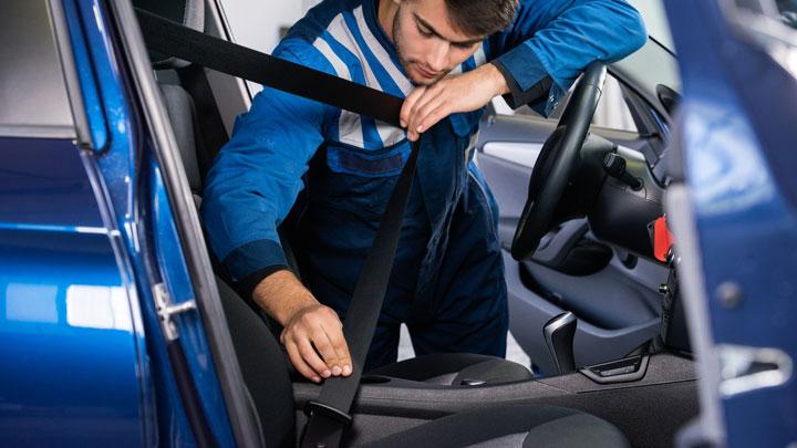 sagging seat belt