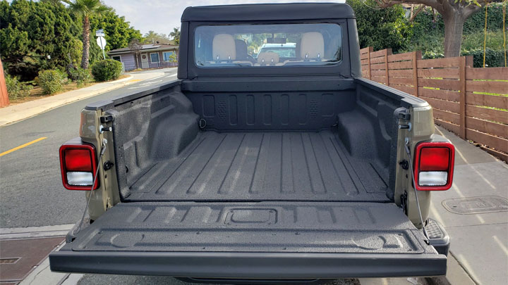 6 Best Spray-In and Roll-On Bedliner Kits in 2021 (DIY to Save Money)