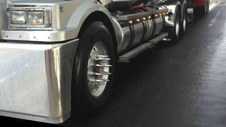 truck wheel spikes