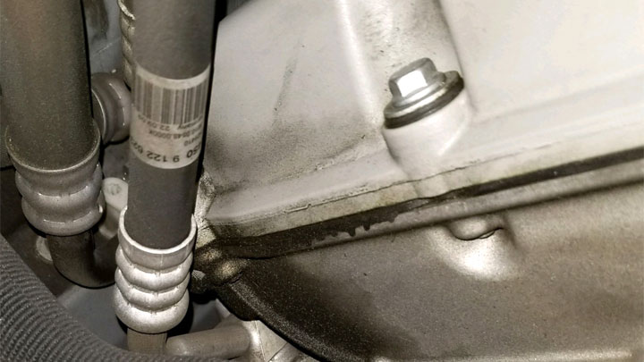 4 Symptoms of a Valve Cover Gasket Leak (and Replacement Cost)